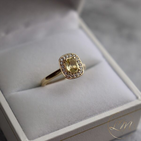 9ct Yellow Gold Sapphire Halo Ring
